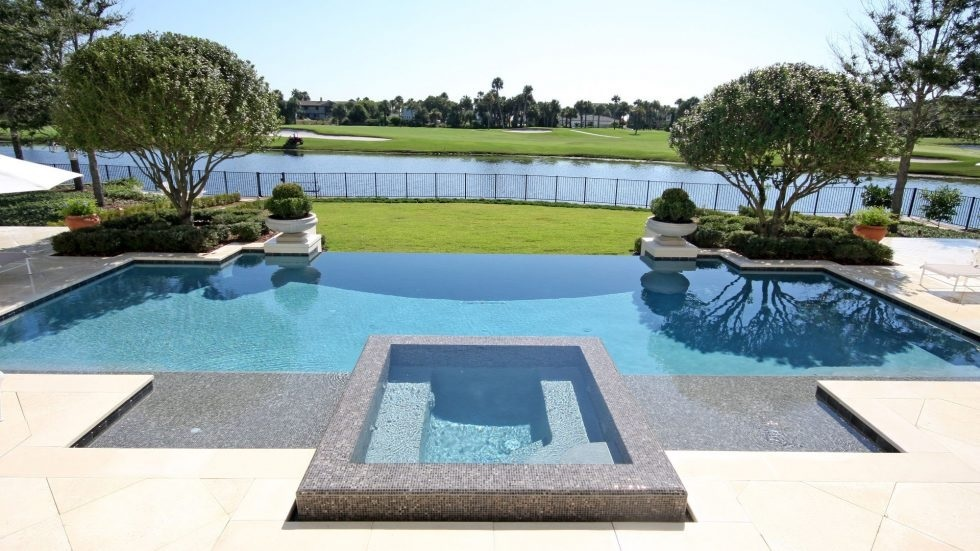 3 Reasons You Might Hire A Pool Contractor Woodland