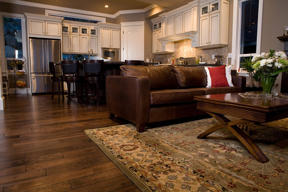 How one can decorate the flooring with Persian Rugs?